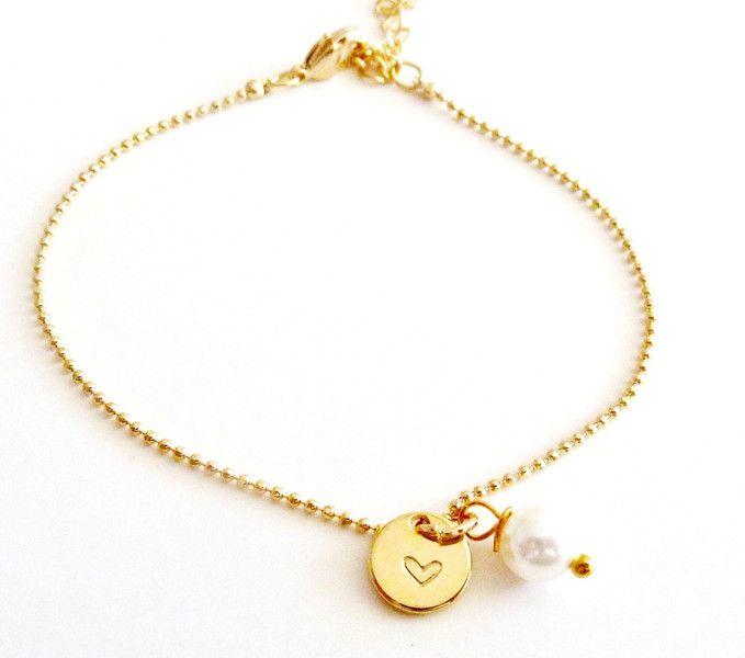 WUNSCHBUCHSTABE++Armband+vergoldet++von+Charlotteville+auf+DaWanda.com