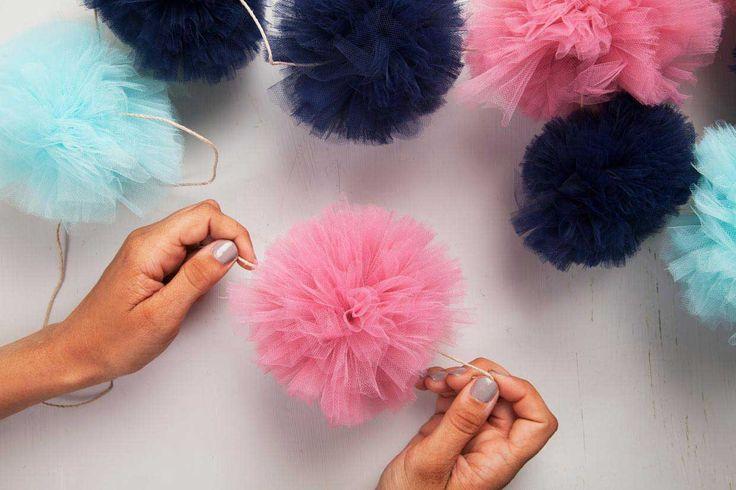 DIY - Decorazioni in tulle eleganti e raffinate per i tuoi eventi Se il tulle vi fa pensare automaticamente solo alle nozze, vi sbagliate di grosso. Questo...