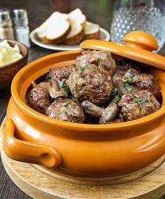 Фрикадельки из баранины с маслятами в сметанно-соевом соусе | Вкусный блог - рецепты под настроение