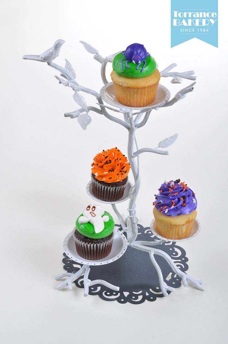 Holiday Unhappy Cliparts in addition 329044316497156962 moreover 6276271074 moreover Mwcak09 as well 224265256414081149. on halloween cupcakes