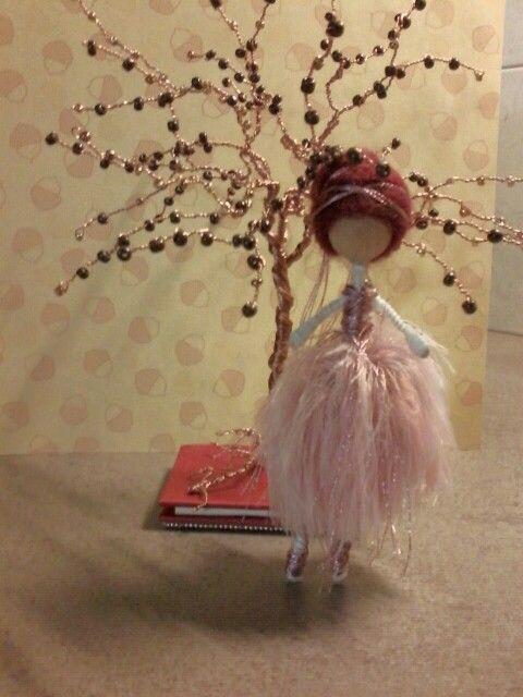 Mini wire doll ballerina