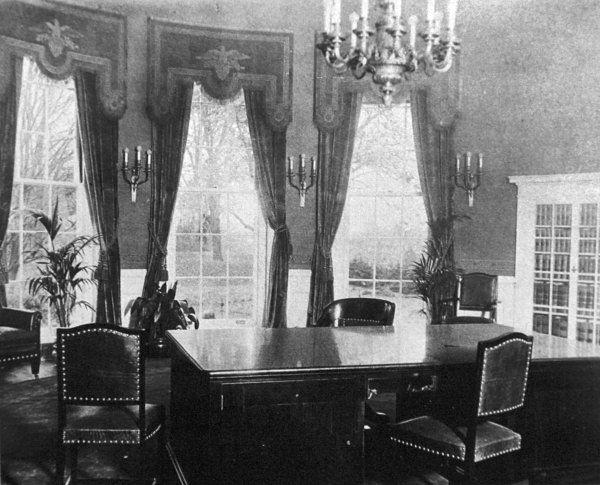 The original Oval Office, circa 1909