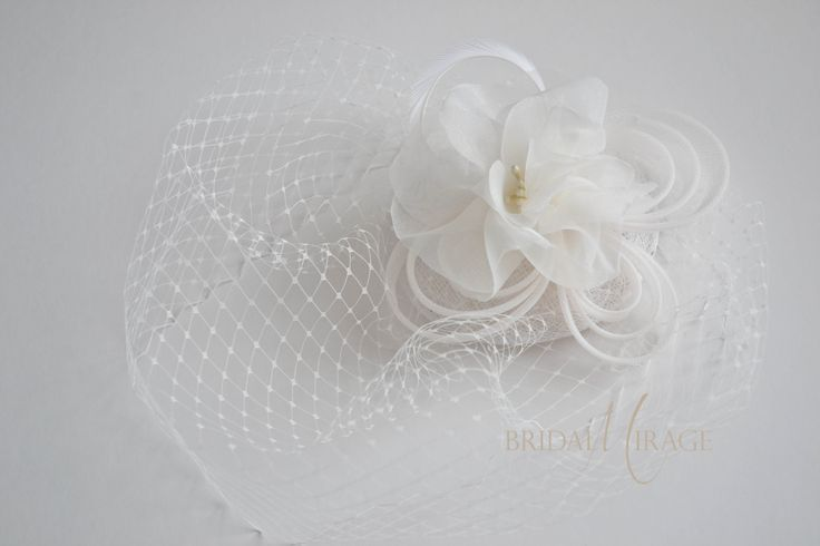 Without birdcage veil with flower beads    birdcage fátyol virággal gyöngy nélkül