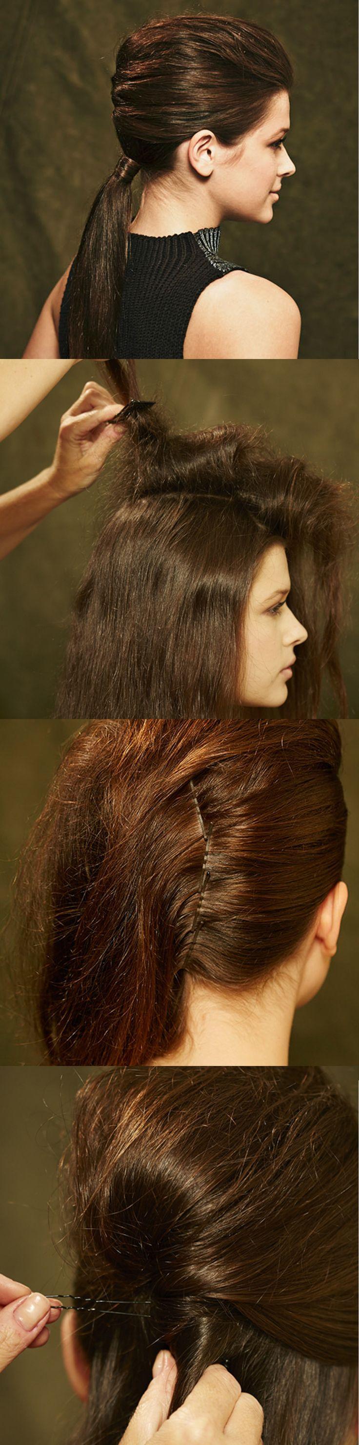 ZOPF elegant eingeschlagen  1) Mittelscheitel ziehen und Haare auf einer Seite mit Spray und Kamm antoupieren.  2) Von der anderen seite glatt nach hinten kämmen und entlang des Mittelscheitels Haare am Hinterkopf feststecken.  3) Toupierte Haarpartie mit den restlichen Haaren zu einem Strang fest eindrehen und mit langen Klammern fixieren. Von Brigitte Beauty