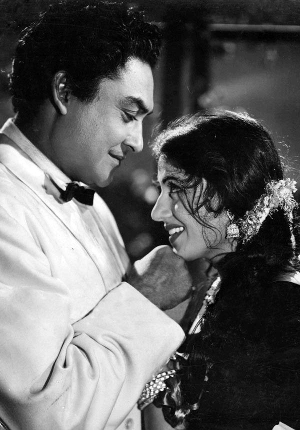 Ashok Kumar and Madhubala. Classic bollywood.