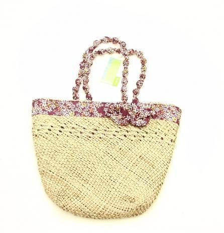 Geanta de plaja captusita cu panza (6 L)  Pret geanta de plaja: 50 Lei