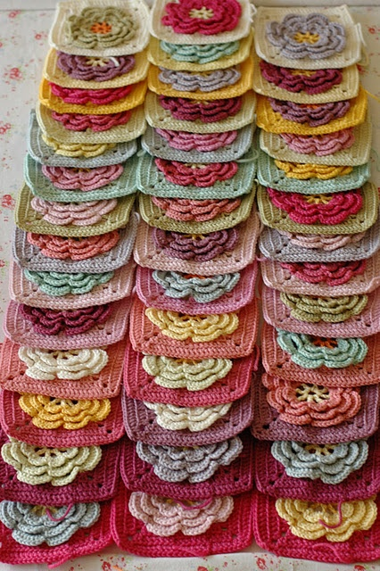 .  I like these flower granny squares.o pattern included with pin.  Pattern comes from book by Jan Eaten, 200 Squares