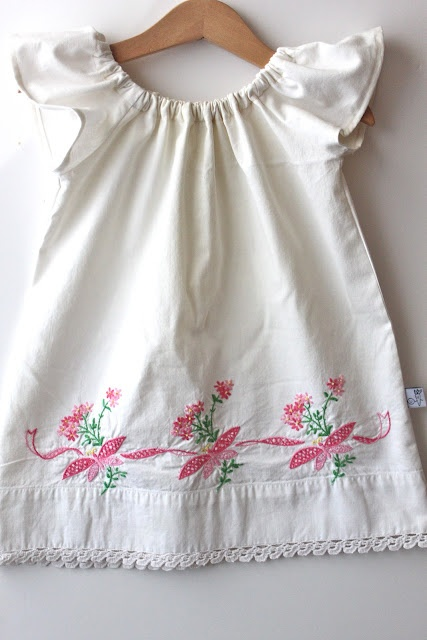 Vintage pillowcase flutter sleeve peasant dress---now I need to find a vintage body size pillowcase and make my own flutter sleeve peasant dress! SO adorable! with a floppy hat and some cute sandals...I'm loving this!