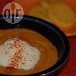 Potage aux patates sucrées, carottes, pommes et lentilles rouges @ qc.allrecipes.ca