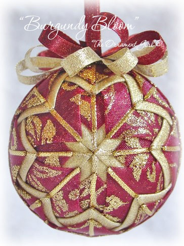 ,: Fabrics Ornaments, Christmas Creations, Beads Ornaments, Christmas Decor, Burgundy Bloom, Fabrics Crafts, Crafts Christmas, Christmas Ornaments, Crafts Ideia