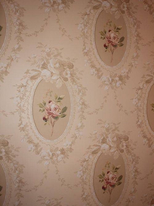 Vintage euphoria. When I was growing up every bedroom and living room had wallpaper