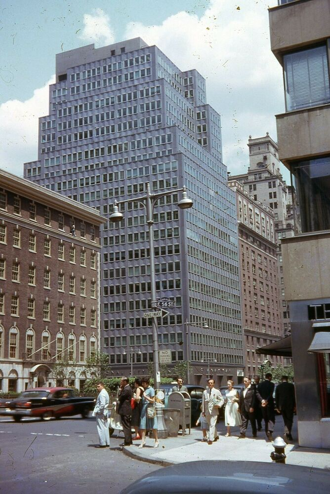 Nyc Street Scene Park Ave 56th St 1961 Pfizer Building 35mm Slide New York City In 2020 Street Scenes Nyc Street New York City