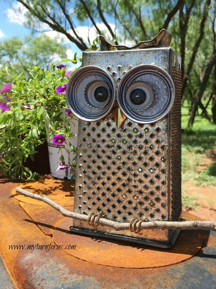 Kitchen Owl made from a cheese grater and lids!  Trash to Treasure project.    http://www.myturnforus.stfi.re/2016/06/kitchen-grater-owl.html