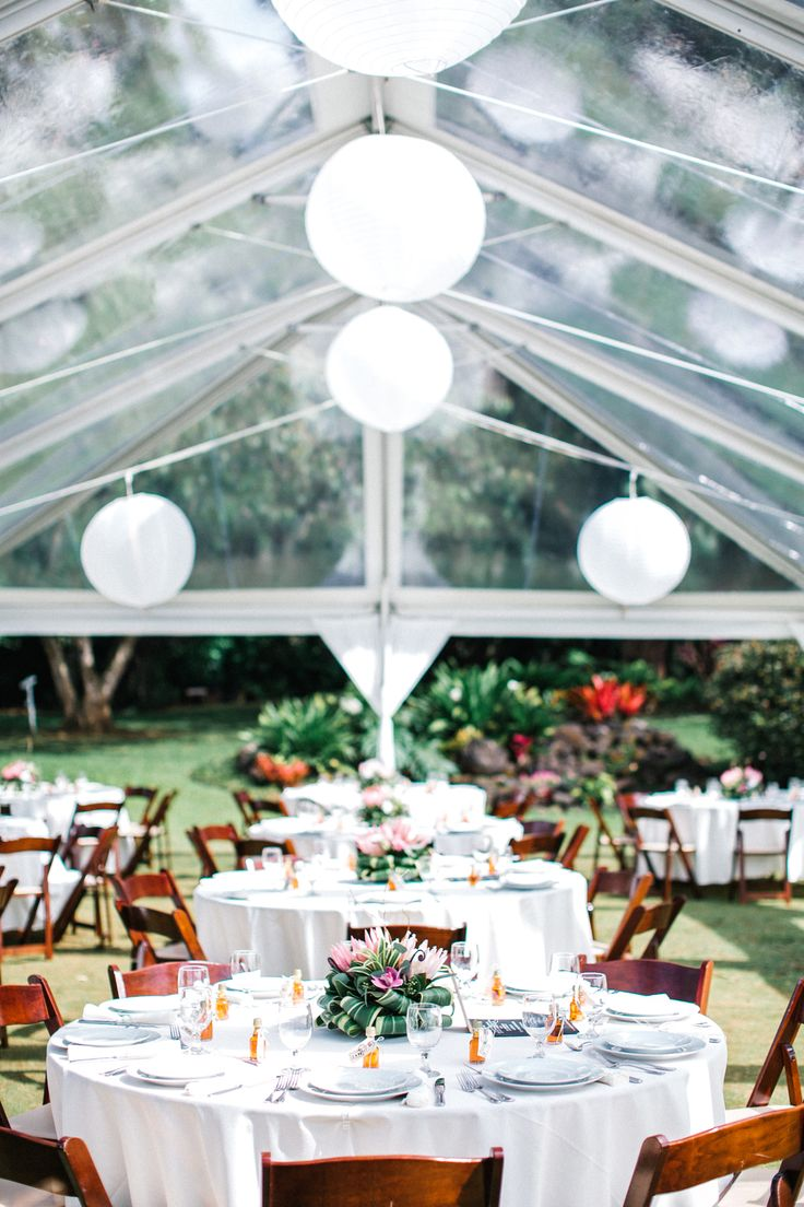 Praeclara Events. Hawaiian Wedding. Tropical Reception