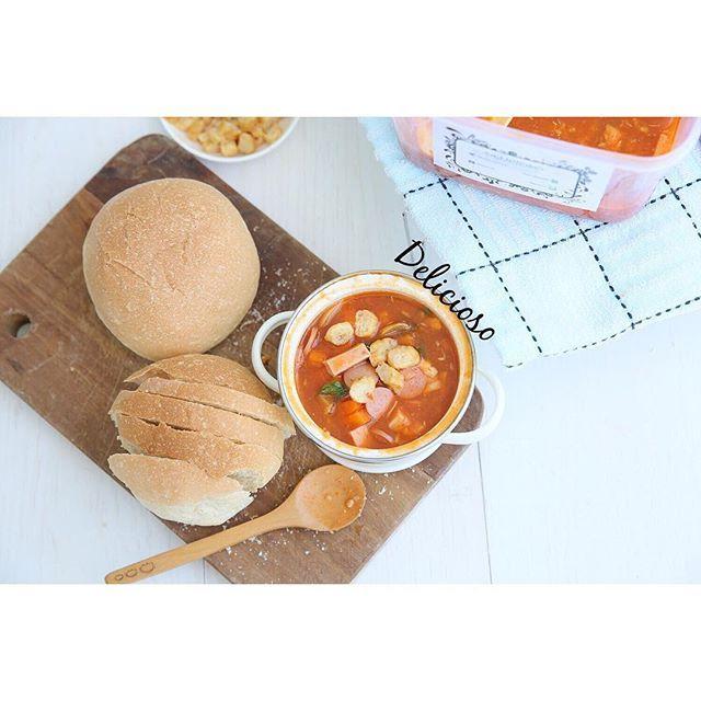 Sop Merah KeKINIaN 😎😎😍😍😘👌🏻👌🏻Lagi Open Po untuk Pengiriman Sabtu 22 October 2016 .. Tersedia dalam 3 ukuran : •1/2 liter •1 liter •3 liter --- --- Dalam 2 varian : --- •Halal : Ayam,sosis sapi,jamur kancing,wortel,polong,telor puyuh,gorengan udang,roti bun --- --- •Non Halal : ayam,sosis sapi,jamur kancing,wortel,polong,telor puyuh,gorengan udang,roti bun,+ham --- --- --- >>Jangan kuatir karena alat masak dan tempat cuci kita pisah --- --- Pemesanan terakhir sampai Jumat 21 October…