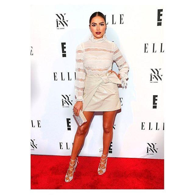 WEBSTA @ podiummarket - Модель Оливия Калпо на Неделе моды в Нью-Йорке в блузе ISABEL MARANT ETOILE! Ищите такую в PODIUM market, стоимость - 26190р.! #podiummarket #всесамоекрасивоевподиуммаркет #доступнаяроскошь #isabelmarantetoile
