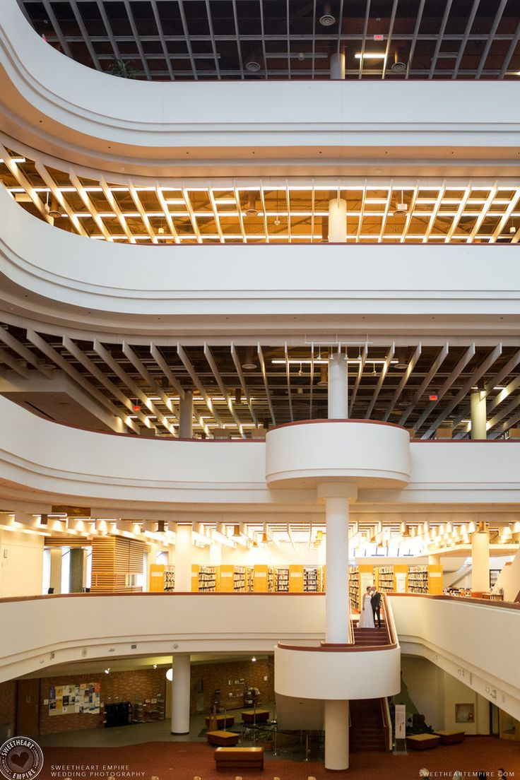 Main Foyer of the #TorontoReferenceLibrary. Toronto Reference Library Wedding #sweetheartempirephotography
