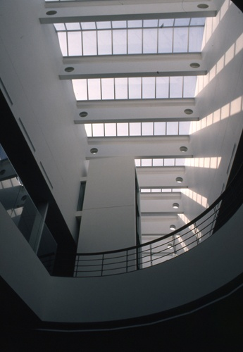 文学館内館