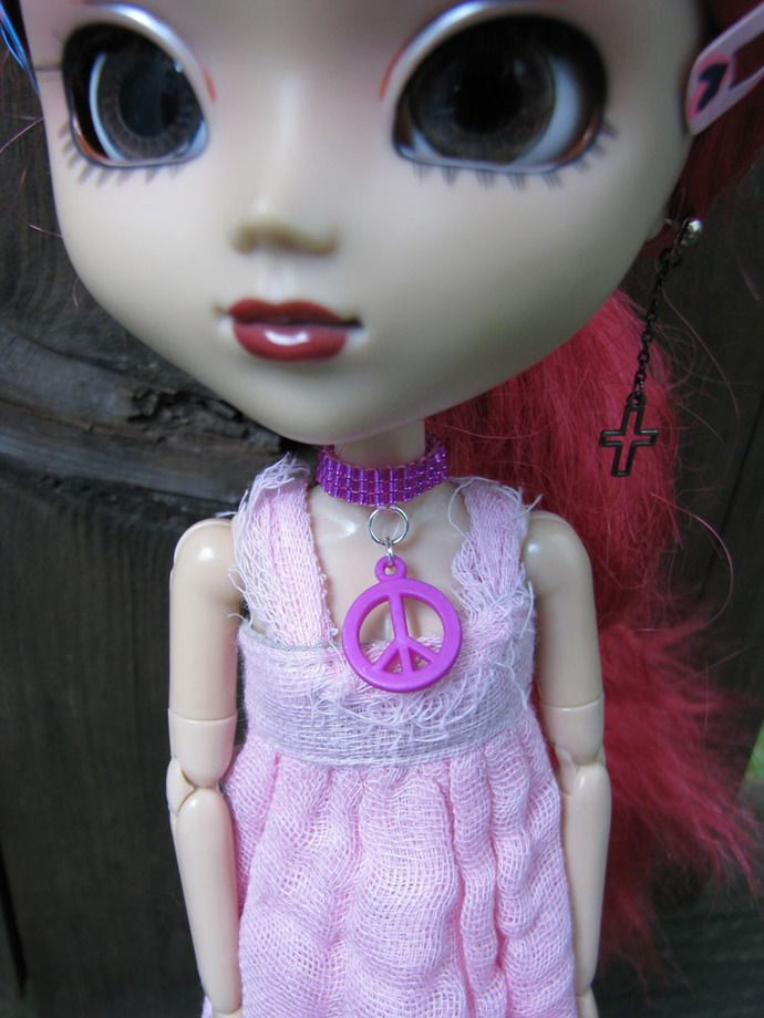 Peace Blythe and Pullip Fashion Doll Choker Necklace by finasma