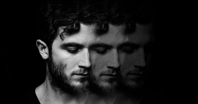 http://ift.tt/2hYsVFN http://ift.tt/2hYnPJN  El jueves 2 de febrero estará presentando las canciones de su último álbum Sirens (editado en 2016) en el Teatro Vorterix  Av. Federico Lacroze 3455.  Nicolas Jaar es un productor y músico neoyorquino/chileno ingeniero de mezcla y DJ.  Su música es reflexiva y emocional con Sirens Jaar toma un nuevo camino y le da forma a un discurso más meditado y personal.   En su obra podemos encontrar diferentes géneros contrastados que van desde el blues al…