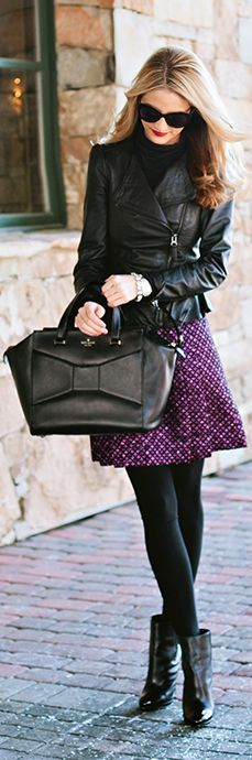 ¿Qué me pongo con una falda morada? Si llevas el resto del atuendo en dolor negro le darás protagonismo a esta hermosa prenda. Y si lo llevas con una chaqueta de cuero tu look será una sensación. www.aspeqtto.com