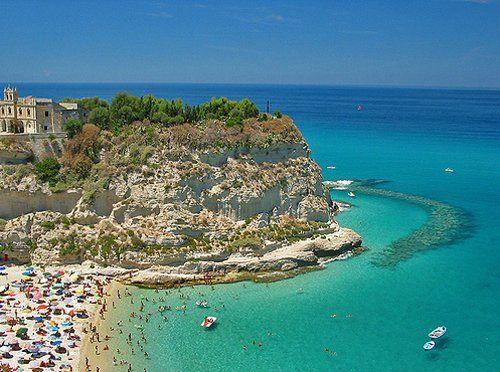 """Летом 2015 года над 280 самых чистых пляжей Италии будет развеваться почетный """"Голубой флаг"""""""