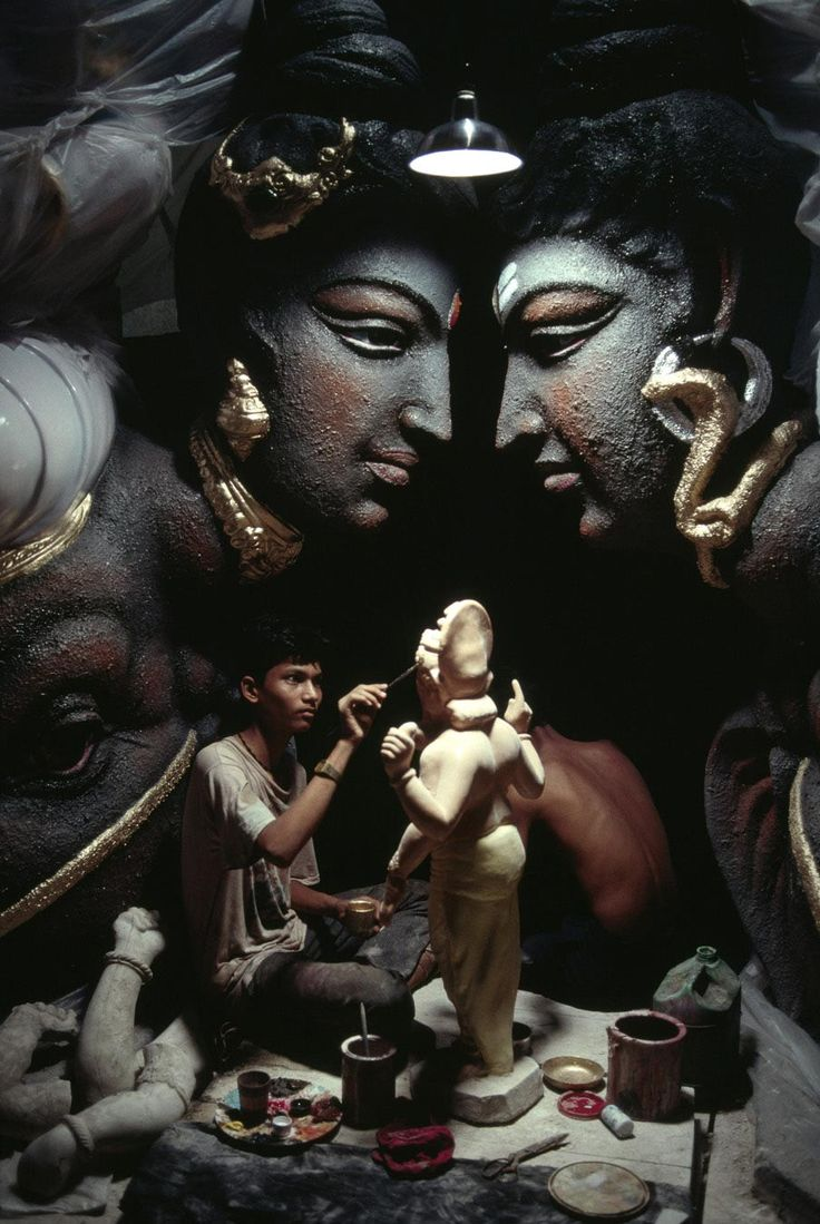 Bombay, India:  Galleries by Steve McCurry http://stevemccurry.com/galleries/india