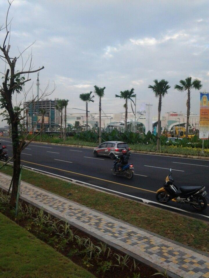 Summarecon Mal Bekasi in Bekasi, Jawa Barat- Arah Wisma Asri, Perum Duta Harapan Blok E7/08