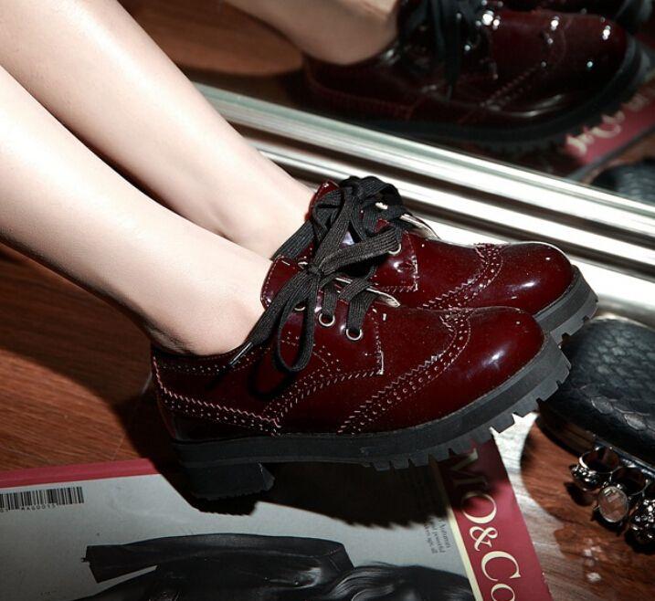 Encontrar Más Pisos de la Mujer Información acerca de 2015 primavera zapatos oxford chica mujeres tamaño GRANDE rojo vino charol encajes oxfords sociales zapato scarpe sapato, alta calidad zapato de oxford, China Oxford zapatos femeninos Proveedores, barato los zapatos Oxford para las mujeres de Anna cabin en Aliexpress.com