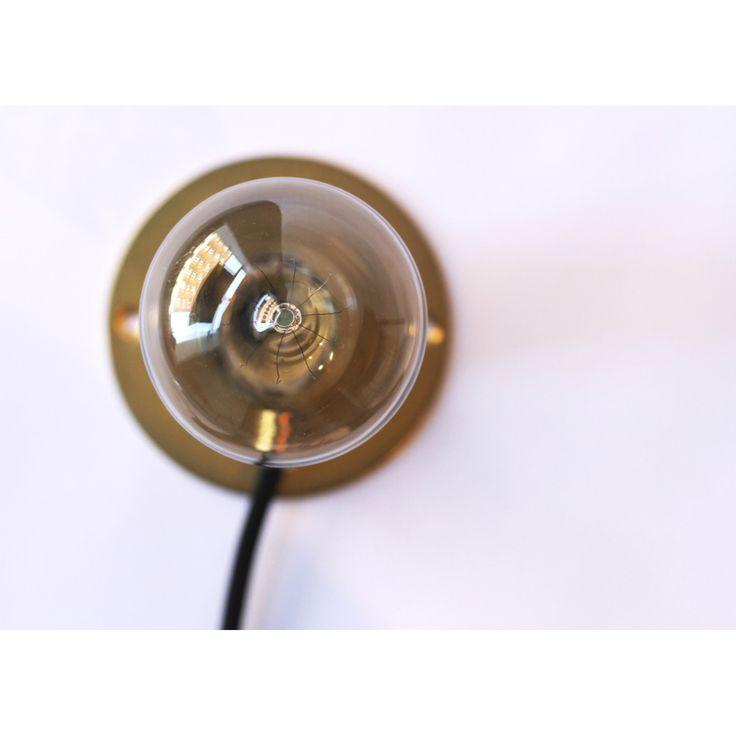 Wall Frama lampe, messing – Frama – Kjøp møbler online på ROOM21.no