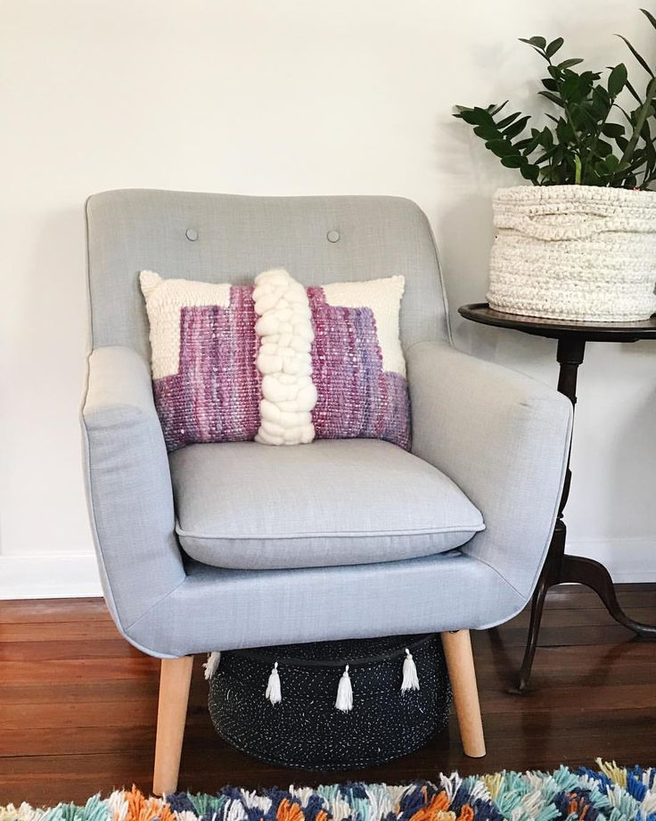 """496 Likes, 17 Comments - WEAVING & SPINNING KITS (@theunusualpear) on Instagram: """"I made a cushion! It used to be a wall hanging but now it has found a new purpose. Made with my…"""""""