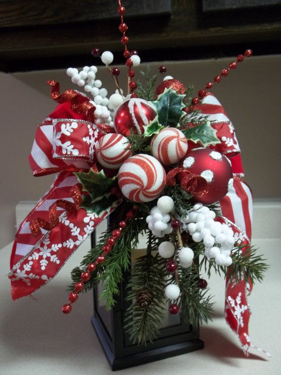 Items similar to PEPPERMINT HOLIDAY  Decorative Holiday Swag/Bow on Etsy