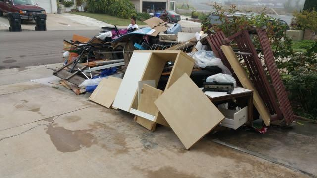 Get best junk removal & junk hauling services in New Jersey at the affordable price. Call us (718) 756-0604 or Visit @ http://www.junkremoval111.com