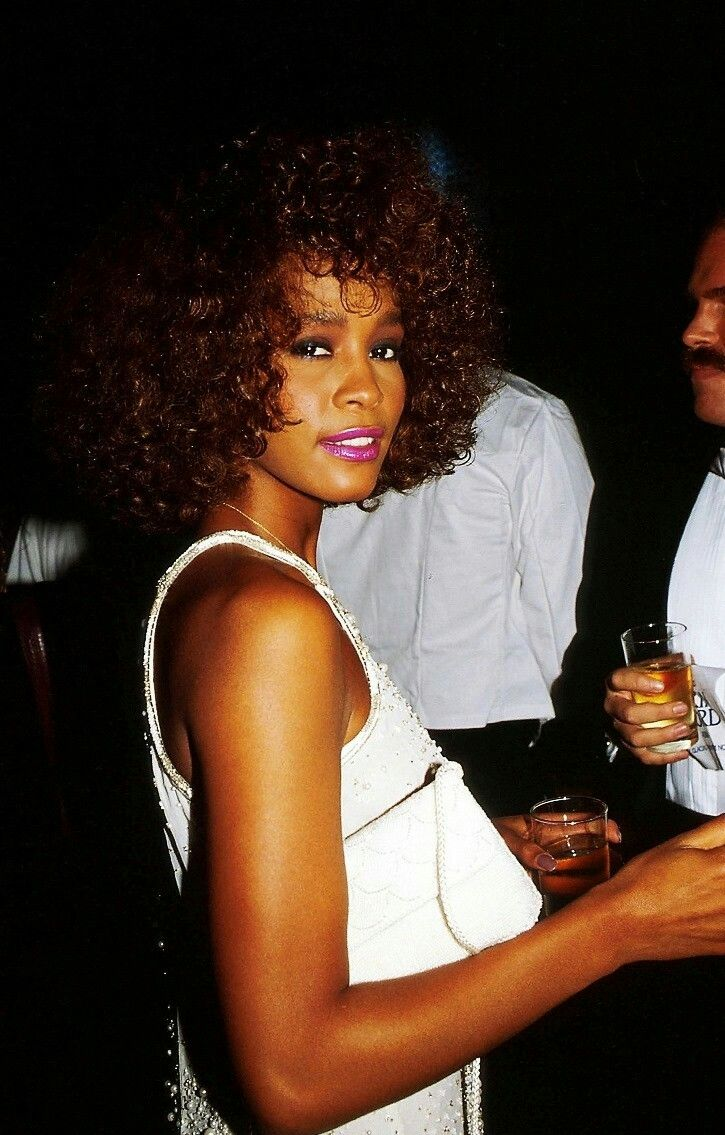 Whitney Houston 80s | Whitney houston, Singer, Whitney