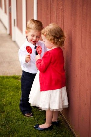 red and navy theme, lovely wedding photos.