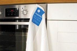 Magnotag Kitchenware van Suck UK: De Magnotag Kitchenware serie van Suck UK bestaat uit een theedoek en een ovenwant. Beiden zijn voorzien van het gepatenteerde magnetische Magnotag label, en gemaakt van 100% katoen. #suckuk #theedoek #cadeau #kookcadeau #sinterklaascadeau #kerstcadeau