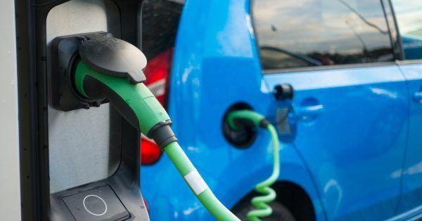 Un equipo de investigadores alemanes ha desarrollado un nuevo diseño para las baterías de los coches eléctricos que podría ofrecer una a autonomía de 1.000 km. #cocheeléctrico #motor