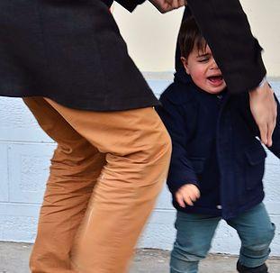 Les première colères et frustrations de notre enfant - Cool Parents Make Happy…