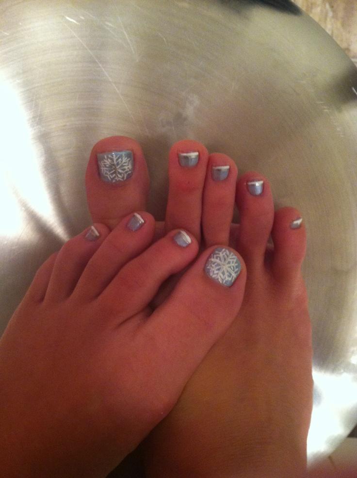 Snowflake pedicure #snowflake #blue #pedicure #beauty #bbloggers