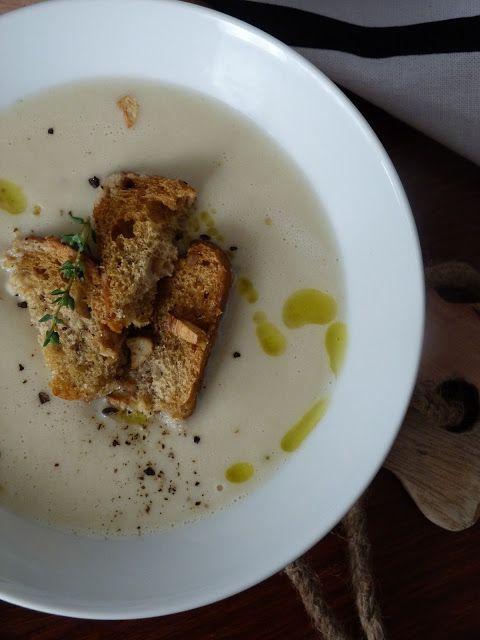 Kouzlo mého domova: Krémová květáková polévka s tymiánovo-česnekovými krutony