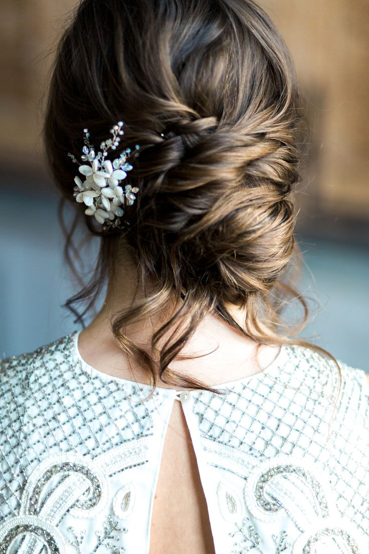 Bridal Up Do | Needle & Thread Bridal Collection | Amy Fanton Photography | Holden Bespoke Styling | The London Flower Company | Bright Colour Scheme | No.11 Pimlico Road | http://www.rockmywedding.co.uk/modern-neon-bright-no-11-pimlico-road/