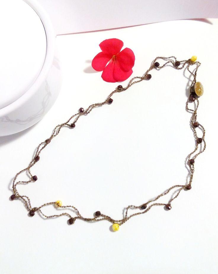 #collana / #girocollo / #braccialetto in filo #nero e #dorato con #mezzocristallo color #bronzo e perline di #vetro #gialle / #necklace #bracelet : #Collane di #elenalucc