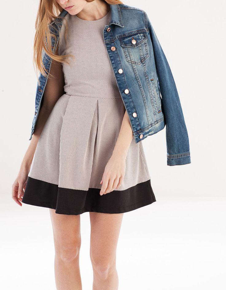 Dzianinowa sukienka z teksturą