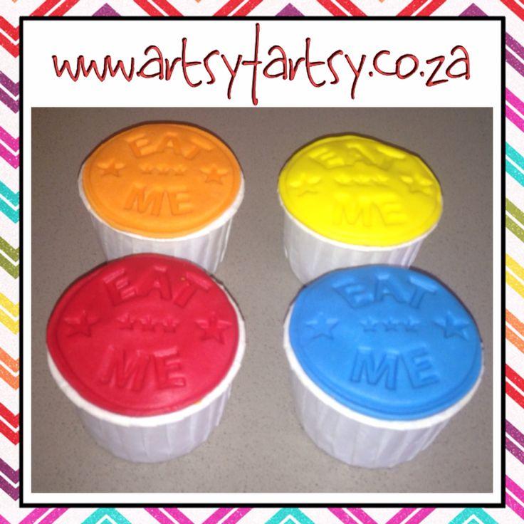 Alice in Wonderland Eat Me Cupcakes #aliceinwonderlandeatmecupcakes #eatmecupcakes