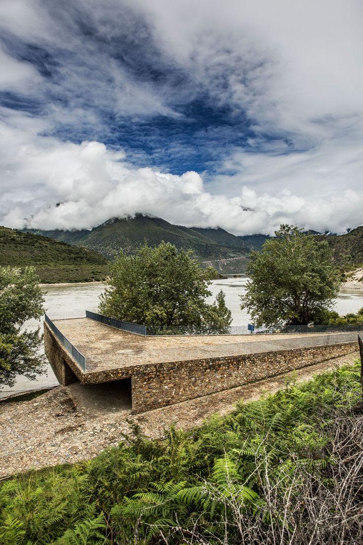 Chen Su, Wang Ziling, ZAO/standardarchitecture · Yarlung Tsangpo River Terminal. Linzhi-Tibet, China · Divisare