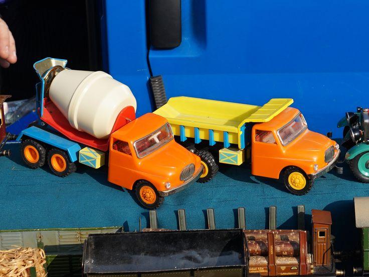 #Tatra 1483 #KDN #czechoslovakia #toys #oldtoys #old #cssr #clockwork #starehracky #automodely #diecast #market