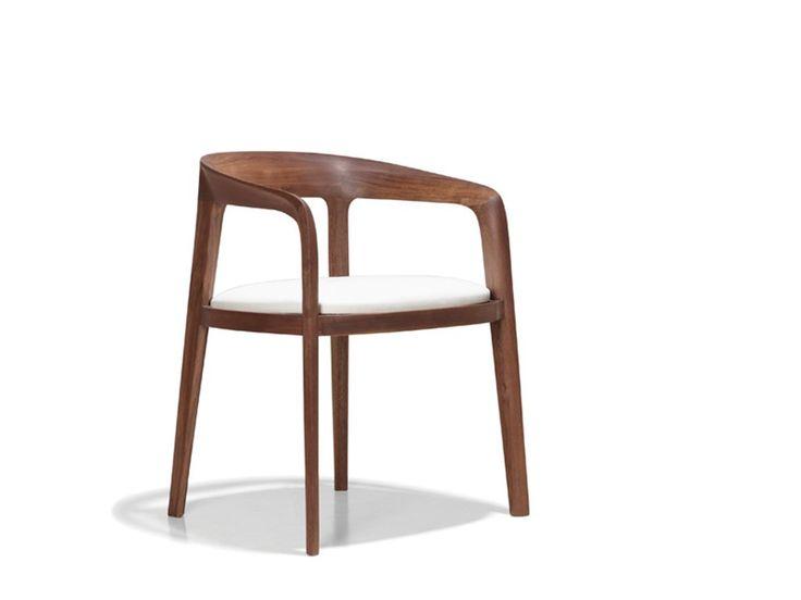 cadeira de madeira em curvas