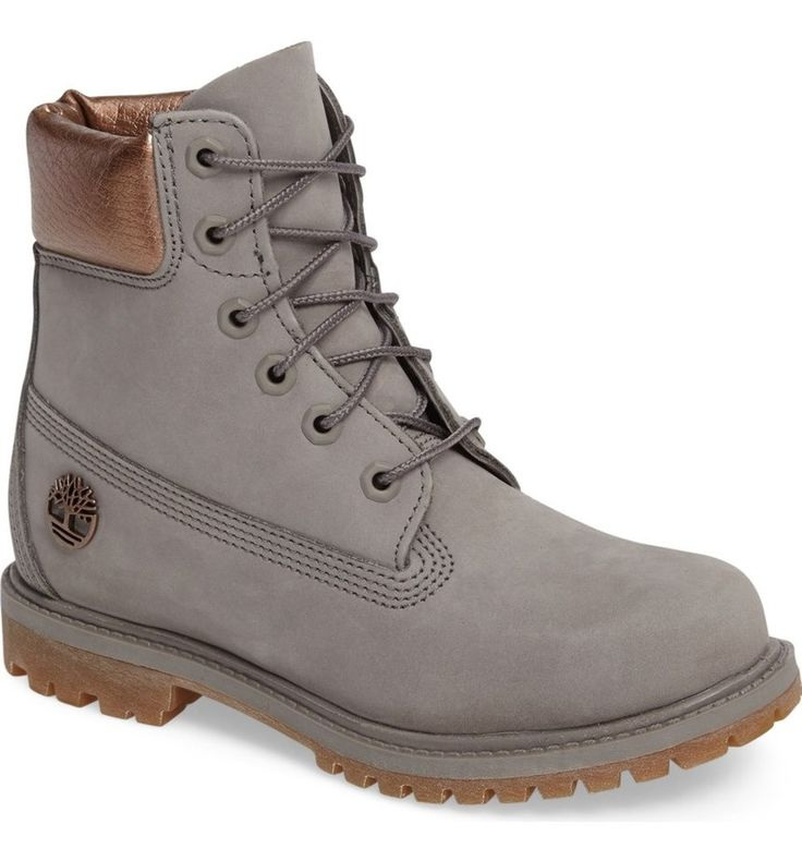 In love with these iconic Timberland boots in grey with metallic details.