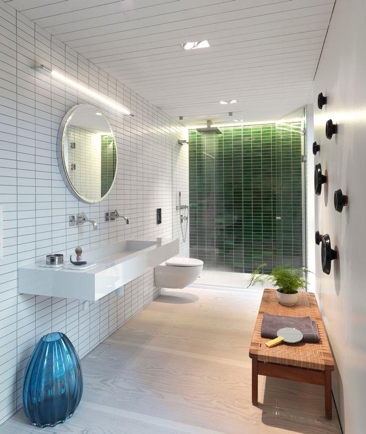 Grønn dusj . Vi skal ha en vegg ala dette. Med lyslist.