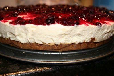 Living with Liv: And then she baked a cake - White Chocolate Mousse Cake